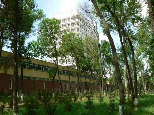 Ташкентский государственный университет. Административный корпус.
